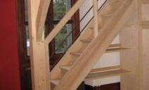 escalier, étagères sous mezzanine