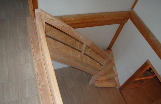 escalier balancé en mélèze