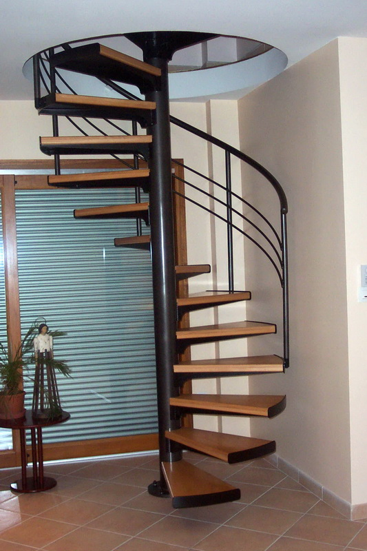 escalier helicoidal en bois 20170803071843. Black Bedroom Furniture Sets. Home Design Ideas