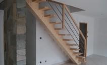 escalier crémaillère centrale, frêne sapin