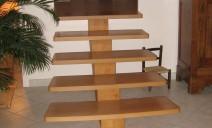 escalier crémaillère centrale hêtre sapin