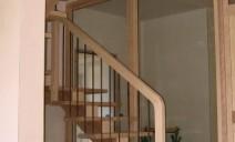 escalier CC 1/2 tour sur paliers, frêne
