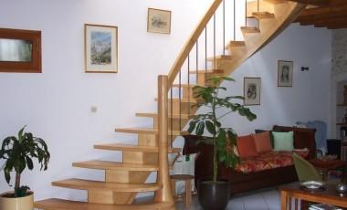 escalier courbe en frêne sur crémaillère centrale
