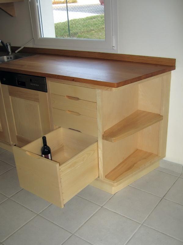 Tiroir angle cuisine rangement armoire cuisine armoire for Tiroir angle cuisine