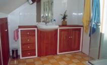 meuble salle de bain en poirie