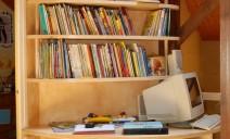 étagère et bureau cintré