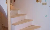 habillage frêne escalier béton poteau et main courante