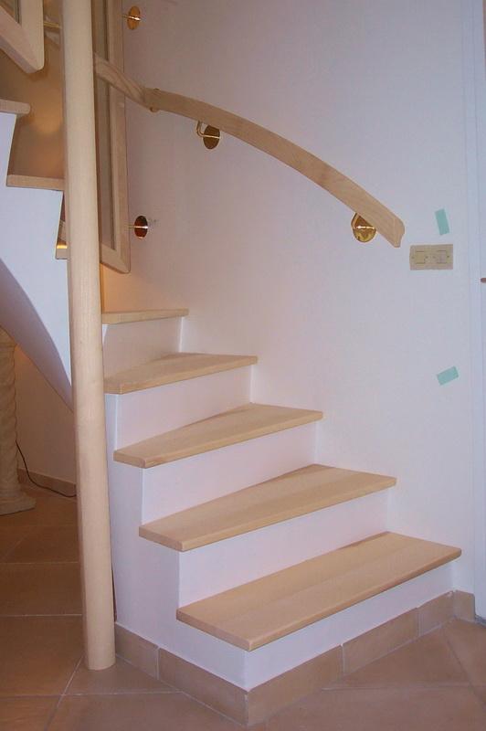 recouvrir un escalier en bois avec du parquet id e inspirante pour la conception. Black Bedroom Furniture Sets. Home Design Ideas