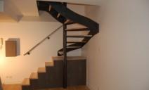 bas escalier rangement, haut demi-tour acier frêne