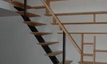 escalier bois-métal, bibliothèque