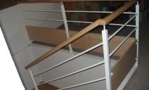 métal laqué blanc, main courante bois