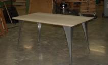 table frêne pieds métaliques