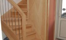escalier demi tour à échiffre central