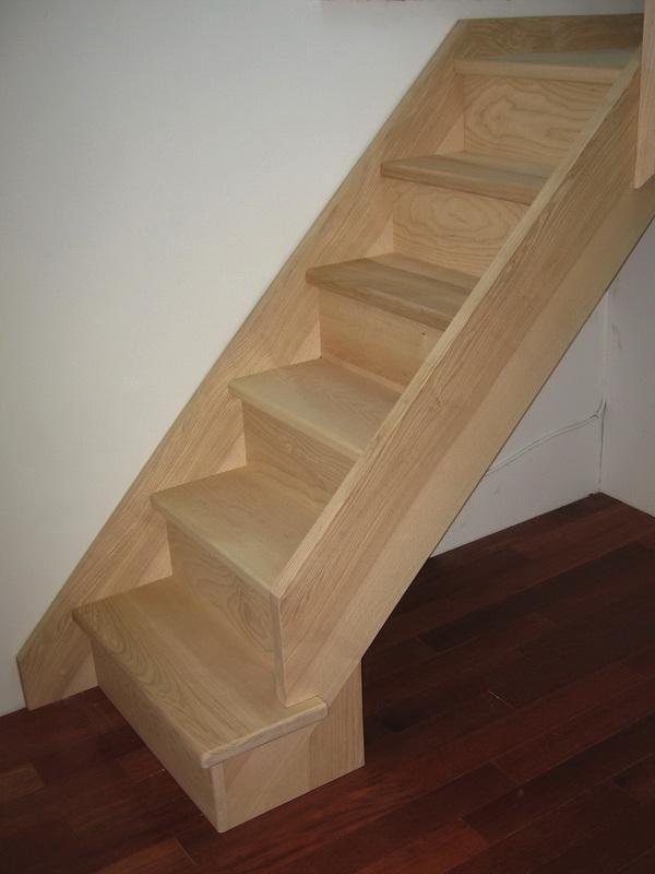c escaliers droits traditionnels jac samson. Black Bedroom Furniture Sets. Home Design Ideas